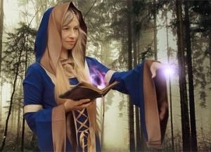 sorceress-2980452_960_720
